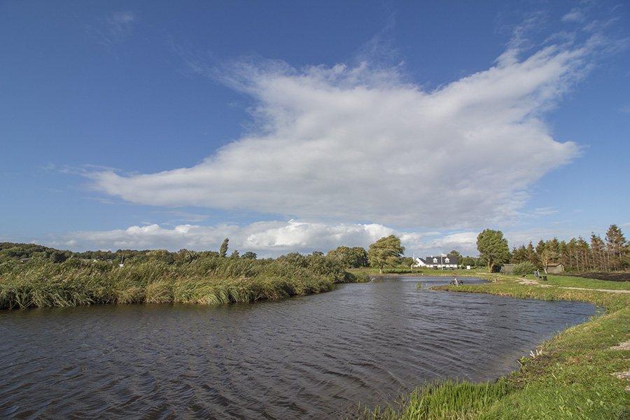Der Forelllensee Langelands Lystfiskersø liegt nur etwa 10 Minuten vom Ferienhaus entfernt