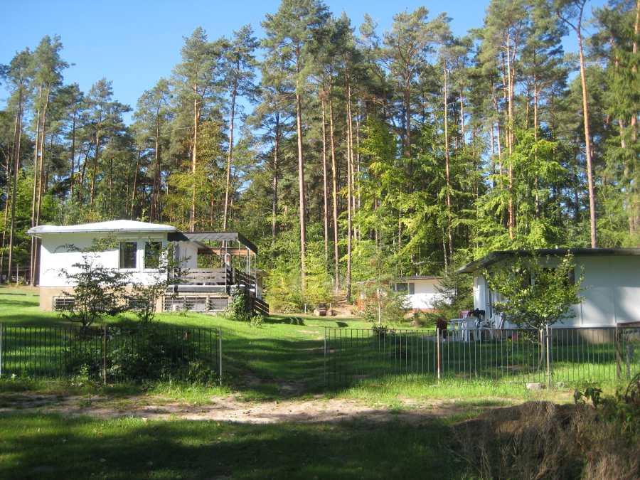 Schöner Ferienpark im Wald am See