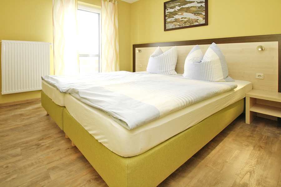 Schickes Doppelbett