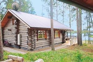 Das im Blockhausstill gebaute Ferienhaus Siikainen.