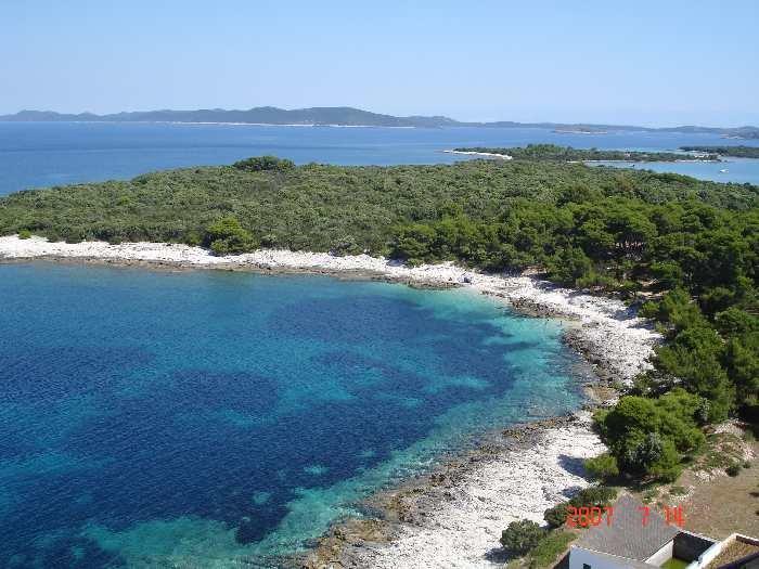 Das türkisfarbene Wasser und die weißen Strände der Adriainsel Dugi Otok sind ein echter Traum!