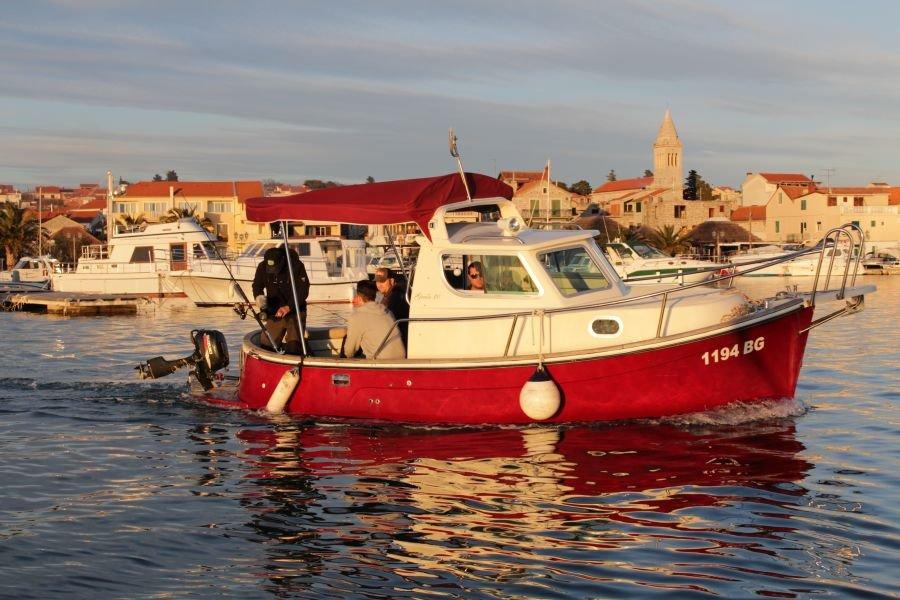 Traditionelle Ausfahrt mit Kapitän Ivan im Schärengebiet der Kornaten um die vorgelagerte Insel Vrgada.