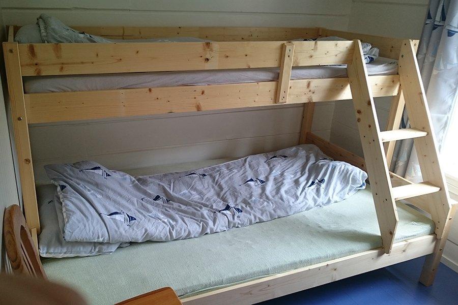 Schlafzimmer mit einem Familienbett