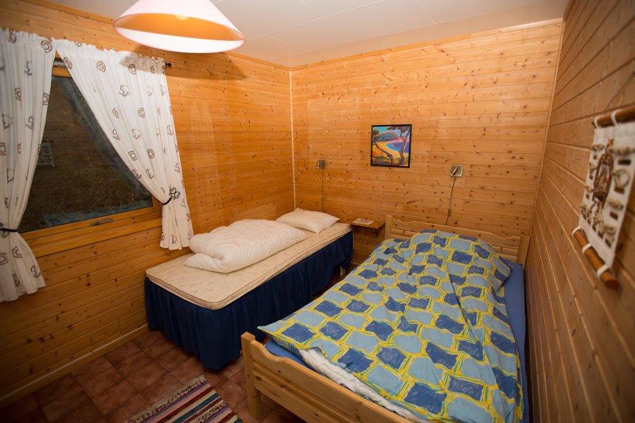 Eines der drei Schlafzimmer mit zwei Einzelbetten.