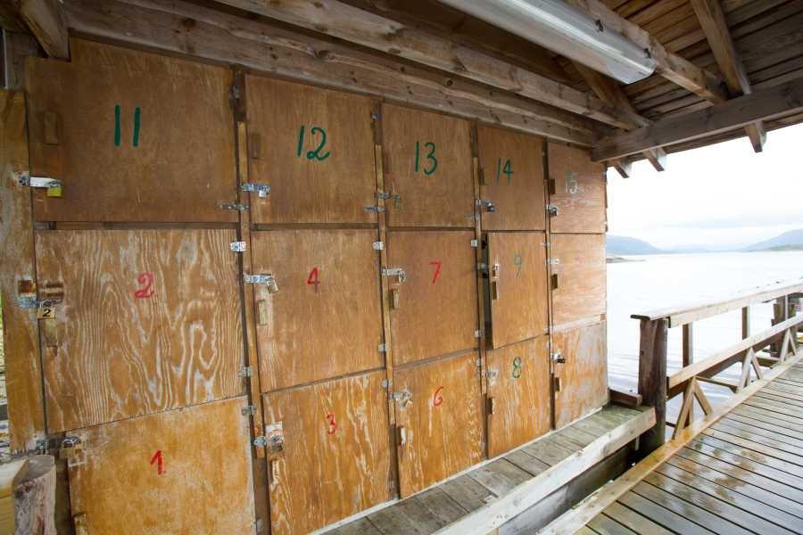 Die Schließfächer für Ihr montiertes Angelgerät am Steg.