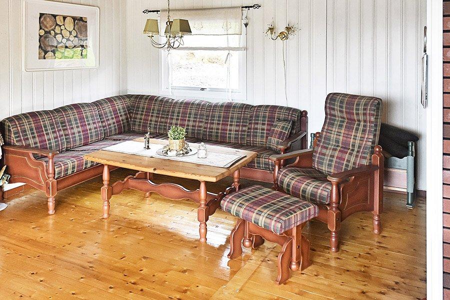 Eine der Couchgarnituren.