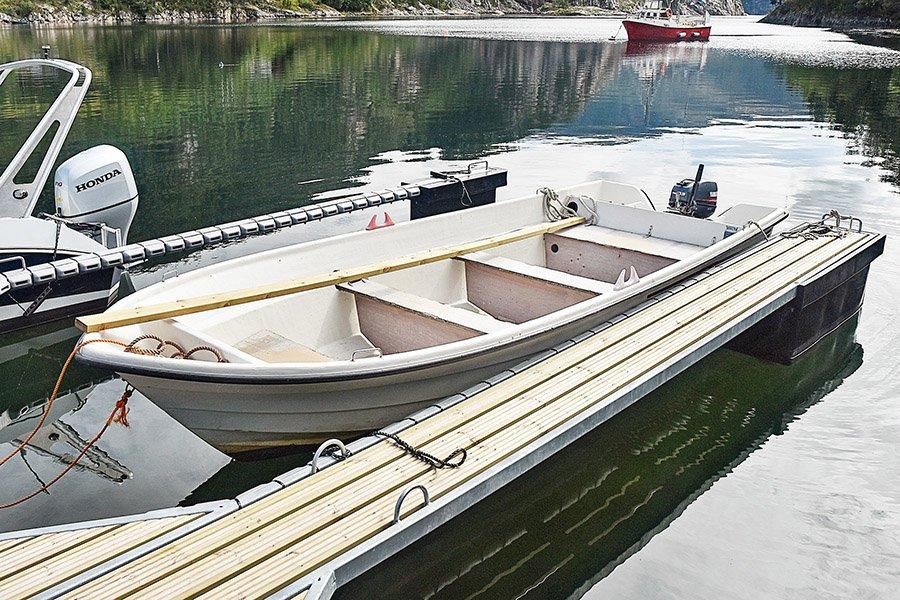 Das 18 Fuß/15 PS Boot.