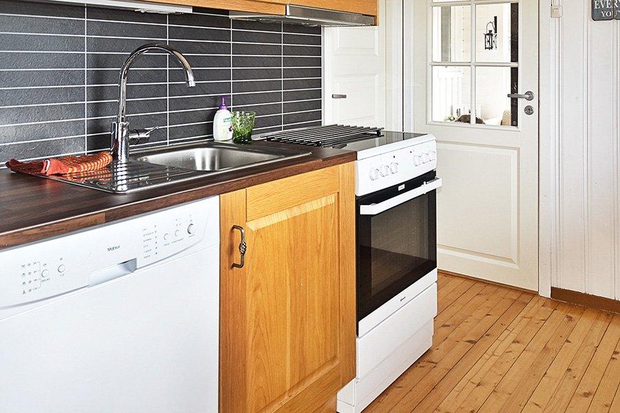 Die gut ausgestattete Küche.
