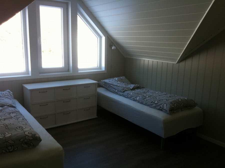 Gemütliches Schlafzimmer im Bogen-Rorbu-Apartment
