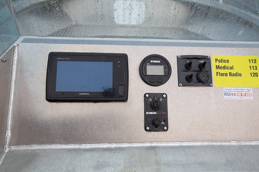Die Boote sind mit Echolot-GPS/Kartenplottern ausgestattet.