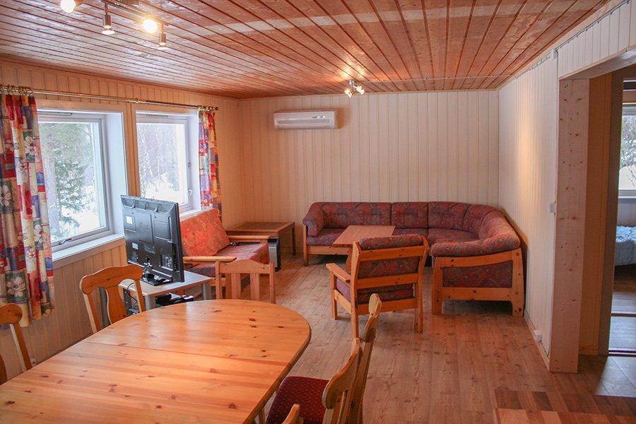 8-Personen Apartment Wohn- und Esszimmer