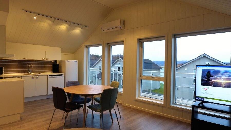 Großzügiges Wohnzimmer im neuen 4-Personen-Apartment I-P.