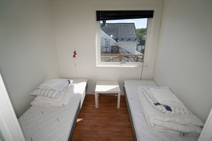 Eines der 3 Schlafzimmer in Apartment Straumøy.