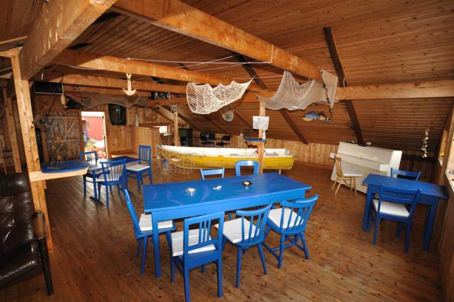 Der Gemeinschaftsraum im Zentrum des Camps.