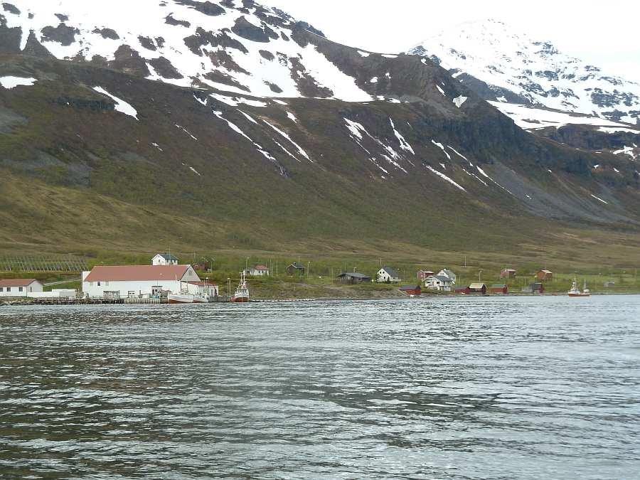 Der Hafen von Akkarvik - hier liegen auch Ihre Angelboote