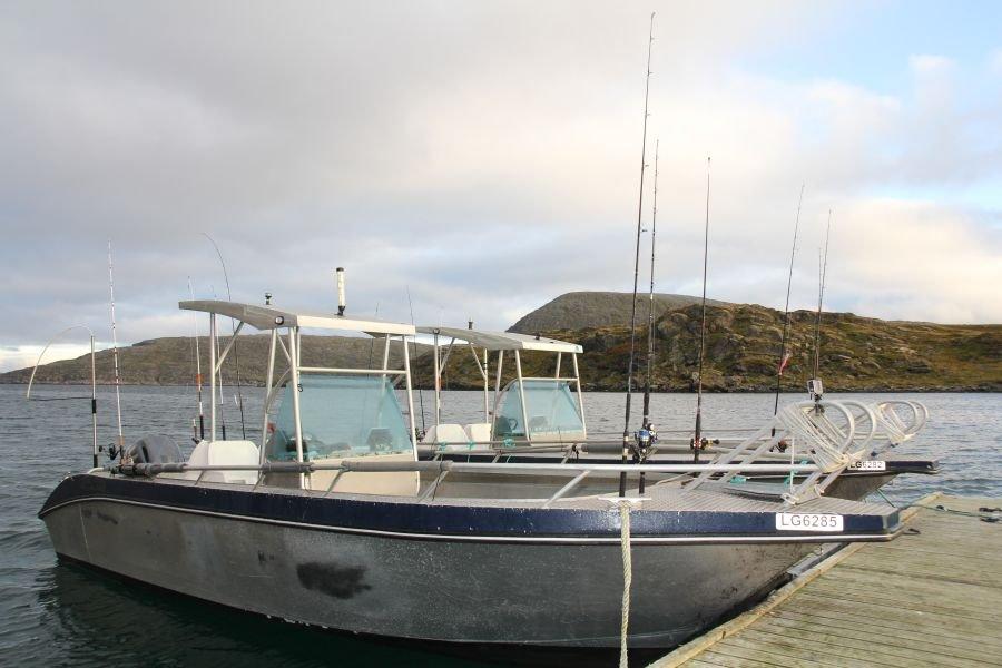 Der Bootsteg in absoluter Toplage im Havøysund und nur 15 Meter vom Havfiskesenter entfernt.