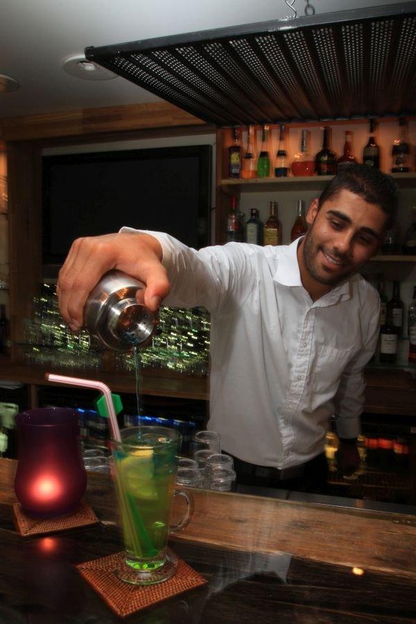 Barkeeper im Hotel