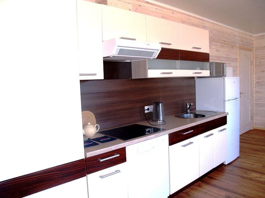 Die voll ausgestattete Küche des Apartments 4.