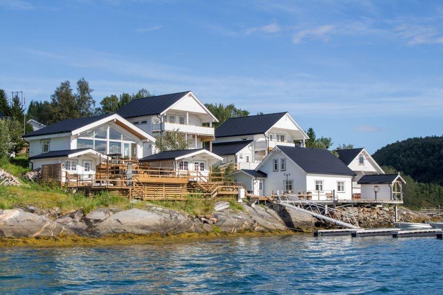 Traumanlage mit herrlichem Fjordblick: das Furøy Fishingcamp!