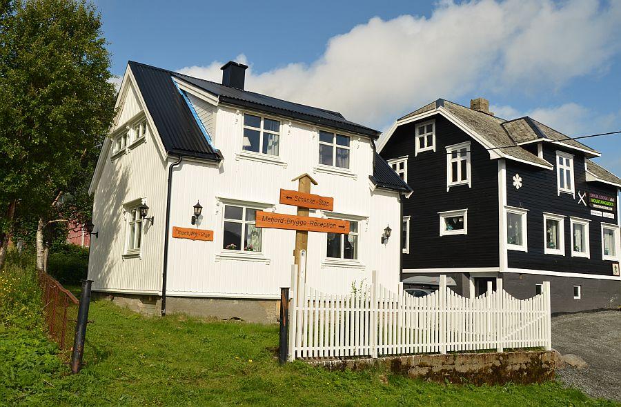 Ferienhaus Ingebjørgstua (links).