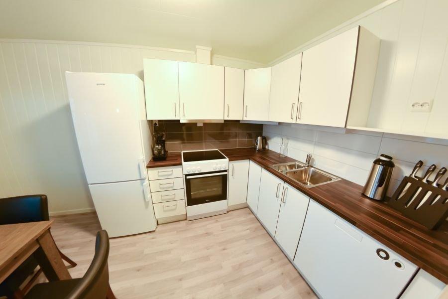 Top: die voll ausgestattete Küche des Northern Lights Apartments.