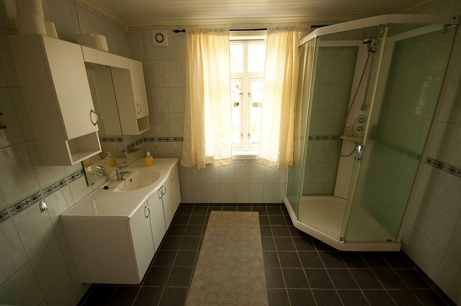 Bad im Ferienhaus Ole Wang Gården.