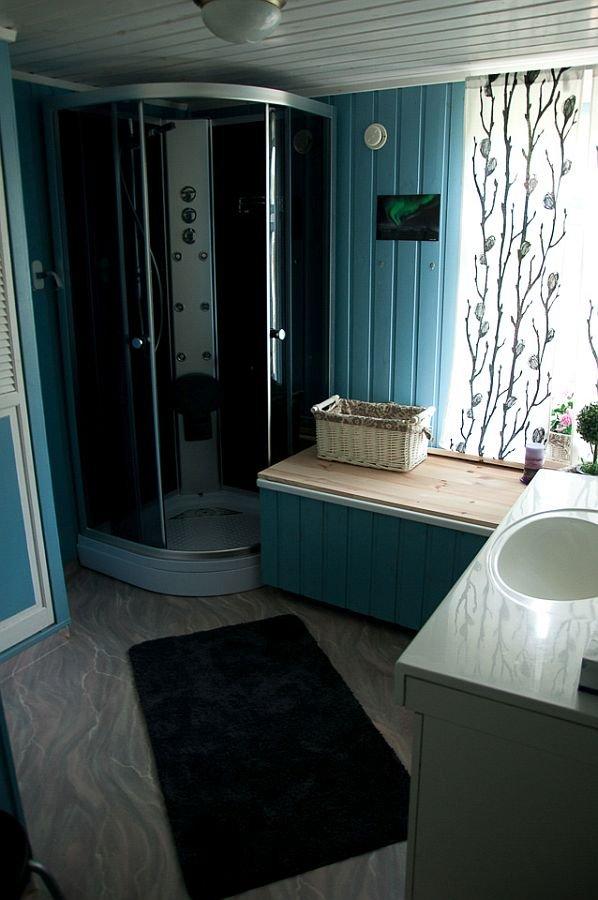 Das Bad vom Ferienhaus Senja Lodge.