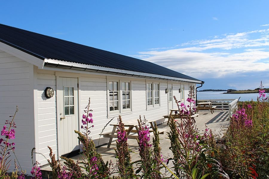 Die große Terrasse vor den Unterkünfte Typ 2 NEU von Vinjesjøen Rorbuer
