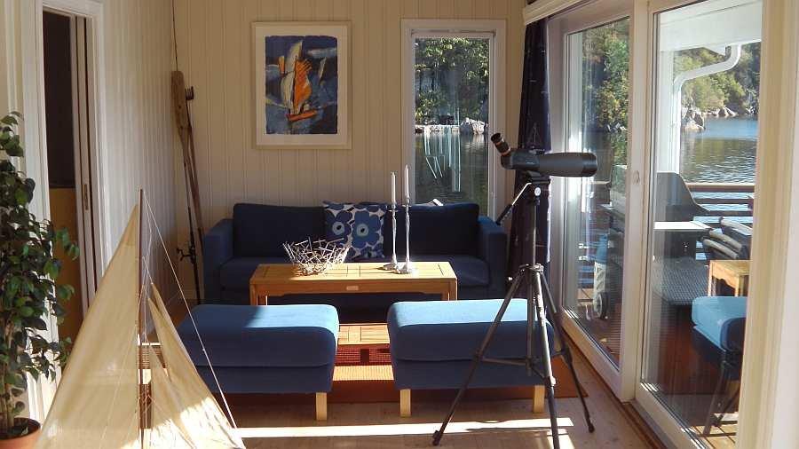 Ein weiterer Sitzbereich mit direktem Blick auf den Fjord