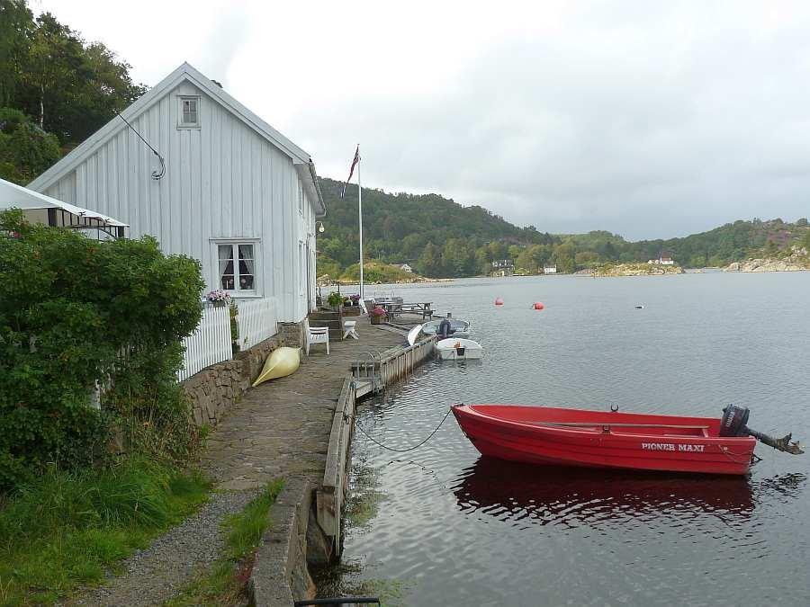 Sie eigene Steganlage direkt vor dem Haus - hier werden Ihre Boote liegen