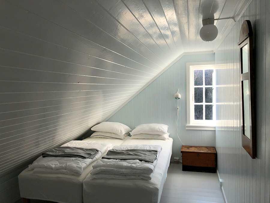 Eines der drei Schlafzimmer mit jeweils 2 Einzelbetten - diese können wie gezeigt zum Doppelbett zusammengestellt werden