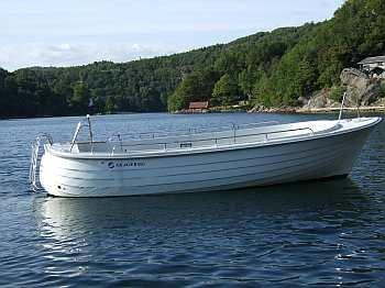 Perfektes Angelboot: Dieselboot