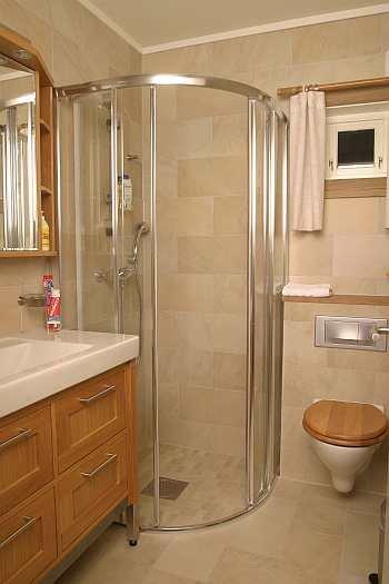 Jedes Schlafzimmer verfügt über ein eigenes Bad