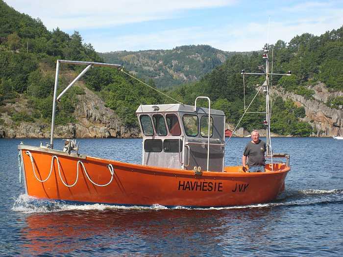 Das große Dieselboot - 26-28 Fuß, Innenborder mit Echolot - der Treibstoff ist schon inklusive