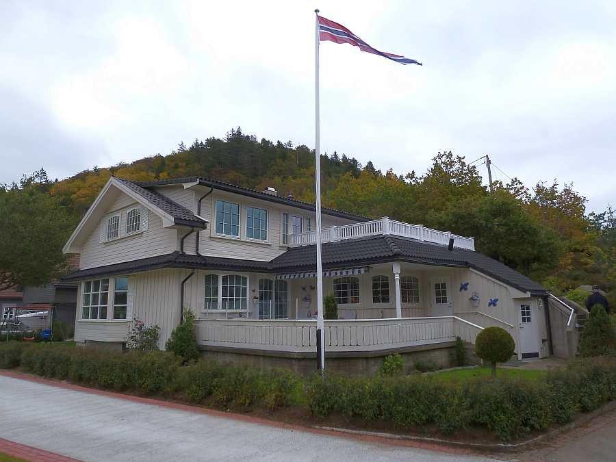 Das Ferienhaus Øyvoll nahe des Hafenstädtchens Farsund