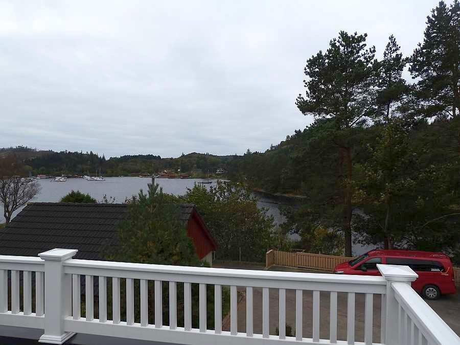 Blick von der Veranda des Hauses auf den Vestersidenfjord bei Farsund