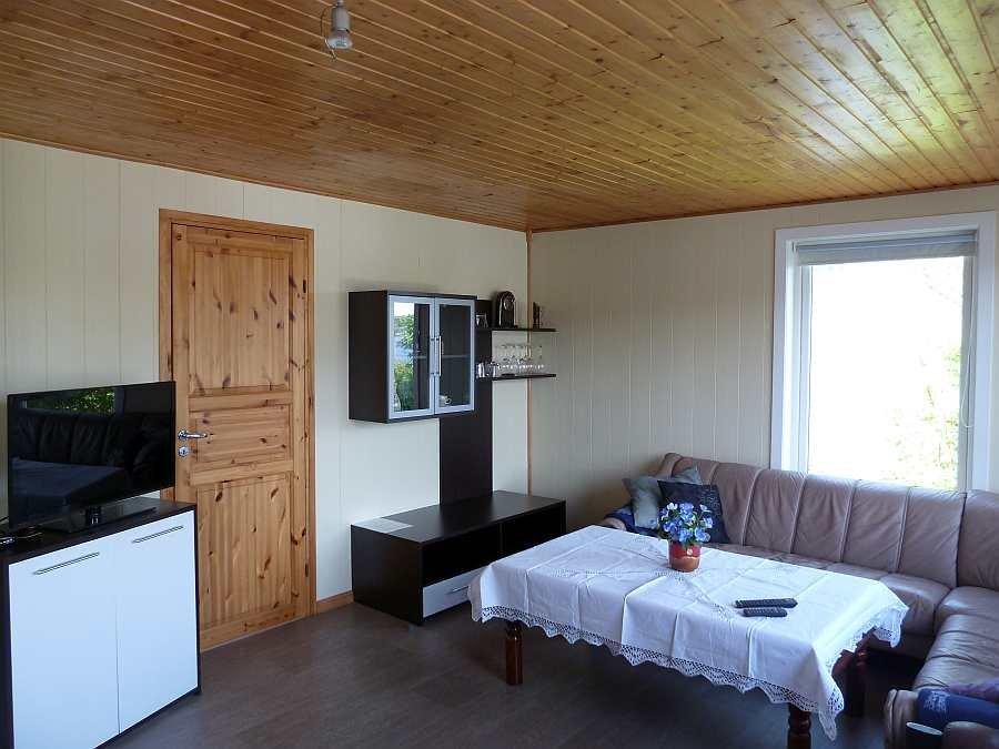 In beiden Wohnungen steht ein Flat-Sat-TV mit deutschen Programmen zur Verfügung (hier Wohnung im Erdgeschoß)