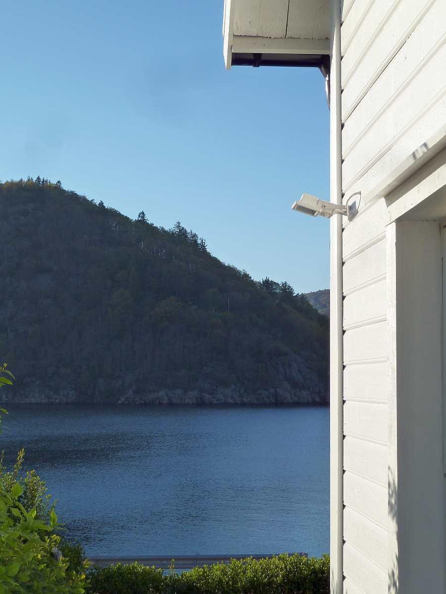 Die Lage vom Ferienhaus Rømy  zum  Lyngdalsfjord