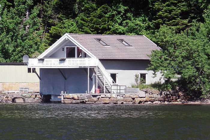Haus Sellegrod - ehemaliges Bootshaus mit direkter Wasserlage