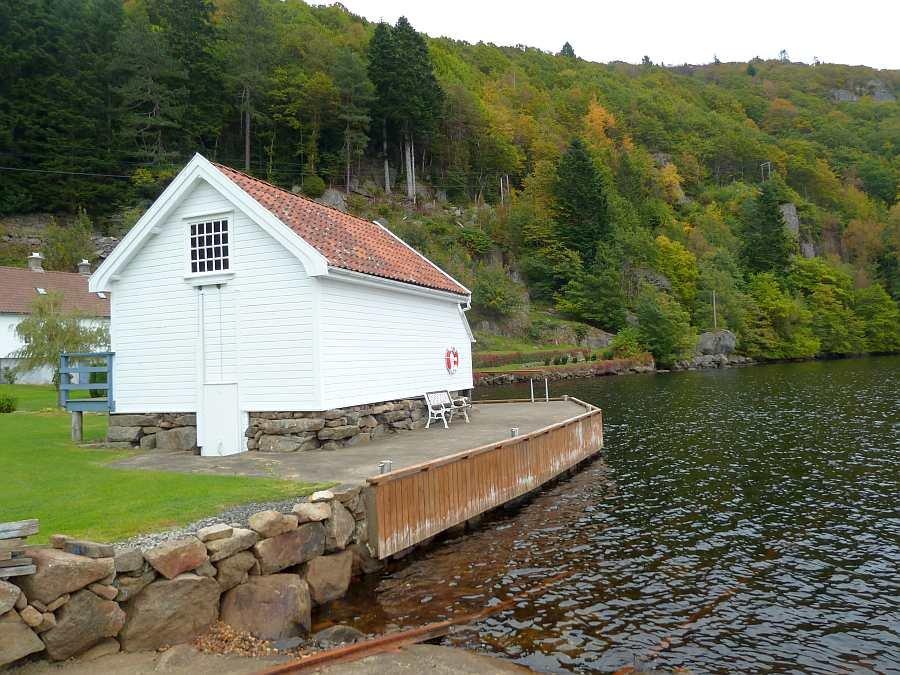 Hier wird Ihr Boot direkt vor dem Ferienhaus liegen