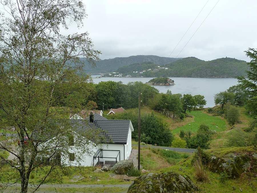 Ferienhaus Skjoldnes liegt auf einer Halbinsel inmitten der Inselkette vor dem Ort Farsund