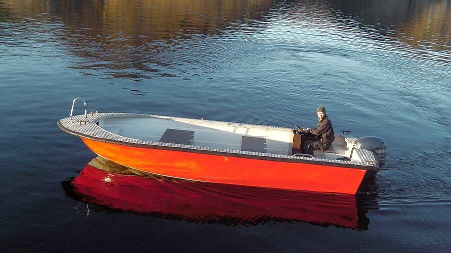 Bereits im Hauspreis enthalten: Angelboot >Tollare< 23 Fuß/115 PS 4-Takter, e-Starter. Steuerstand, Farb-Echolot, GPS/Kartenplotter, Rutenhalter