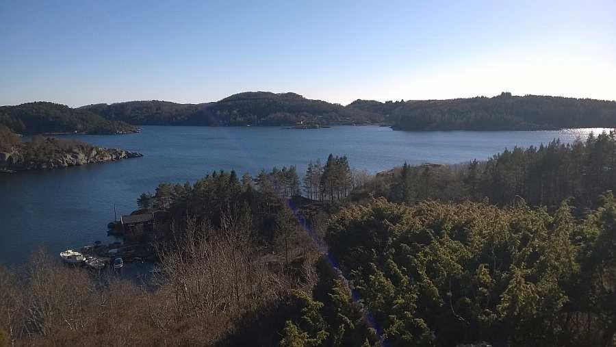 Blick auf die Bucht Vikbukta und den Spindsfjord