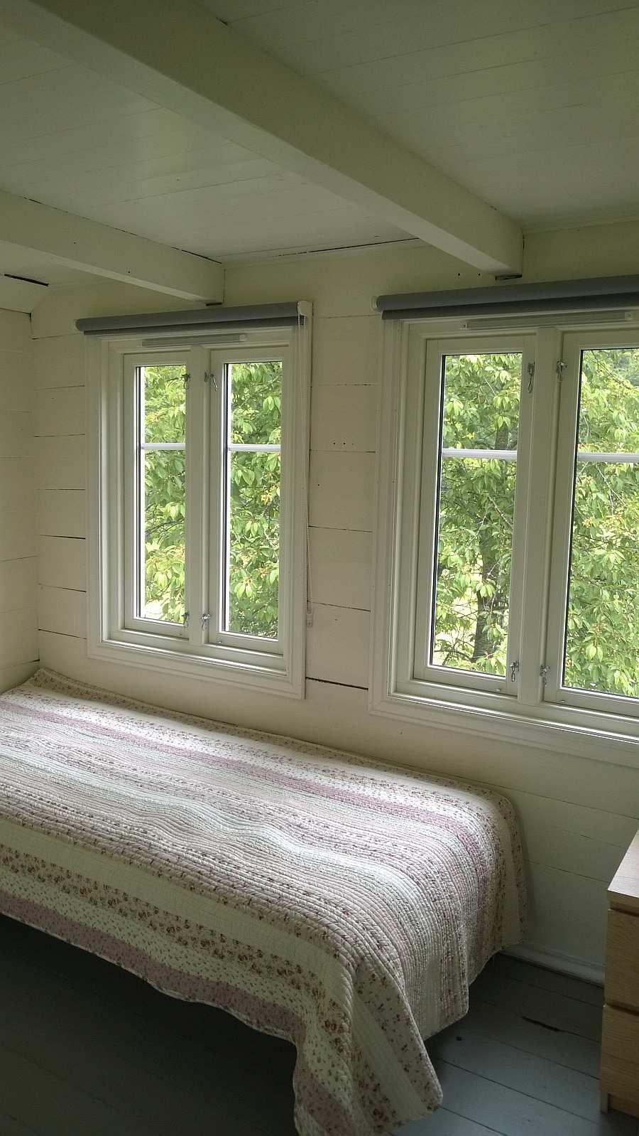 Das Schlafzimmer mit einem Einzelbett
