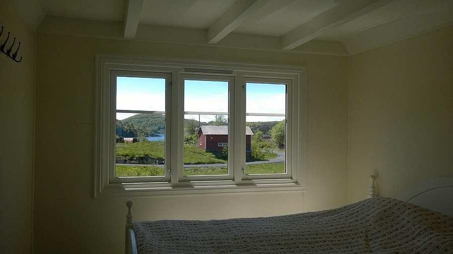 Der Blick aus dem Schlafzimmer auf die Bucht