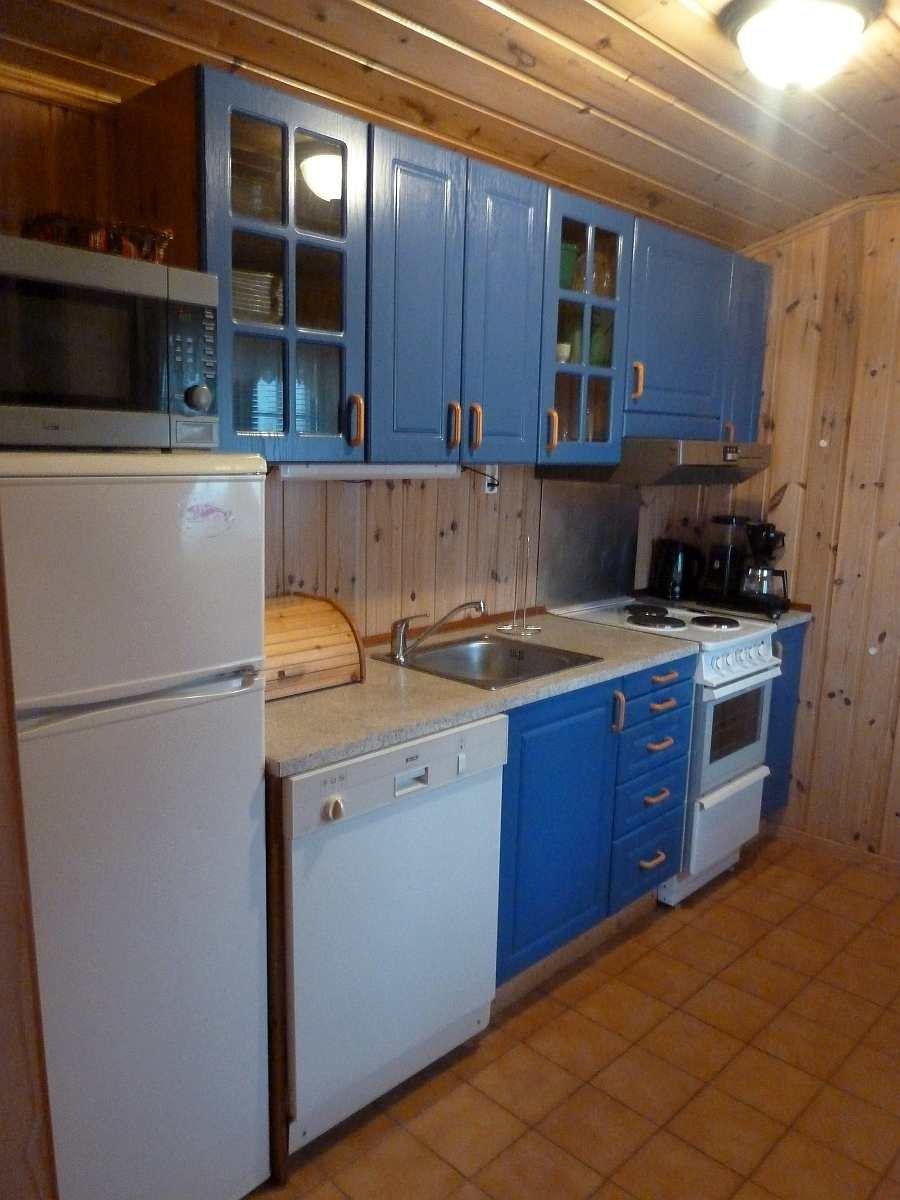 Die Küche ist gut ausgestattet. Von Der Kaffeemaschine bis zum Geschirrspüler ist alles vorhanden