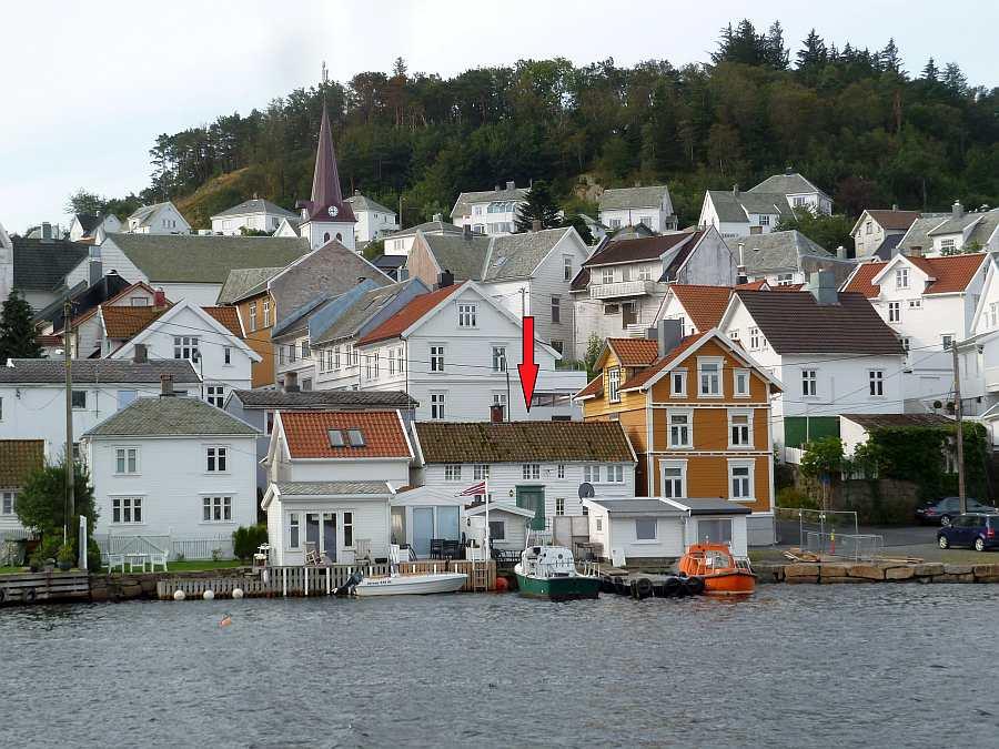 Ferienhaus Westersiden liegt direkt im historischen Ortskern des Städtchens Farsund
