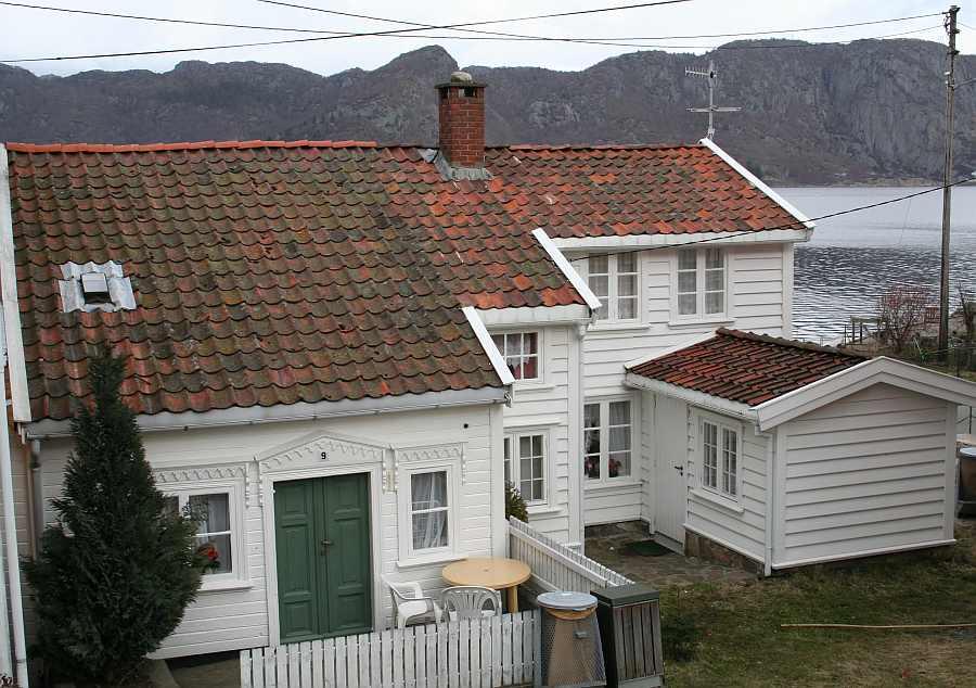 Ferienhaus Westersiden in Farsund: hier Eingang Haushälfte No.9 für max. 4 Personen