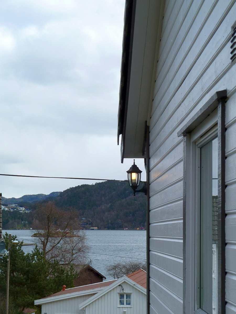 Die Lage nahe des Fjordes