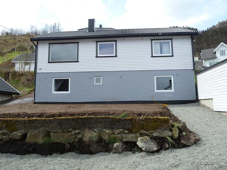 Haus Fredheim - das Gartengrundstück wird nach der Renovierung des Hauses gerade angelegt.